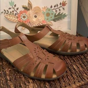 Like new comfy sandals from Earth Spirit